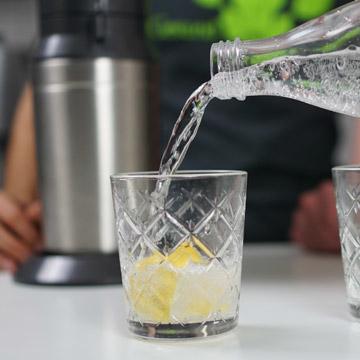 Frisches-Wasser-aufgesprudelt