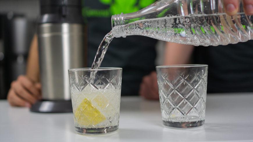 Wasser-eingiessen