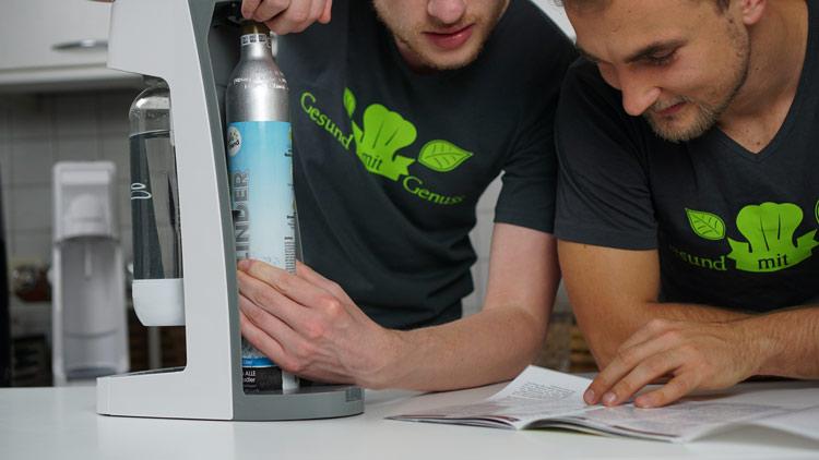 Soda Trend - Einsetzen des Co2-Zylinders