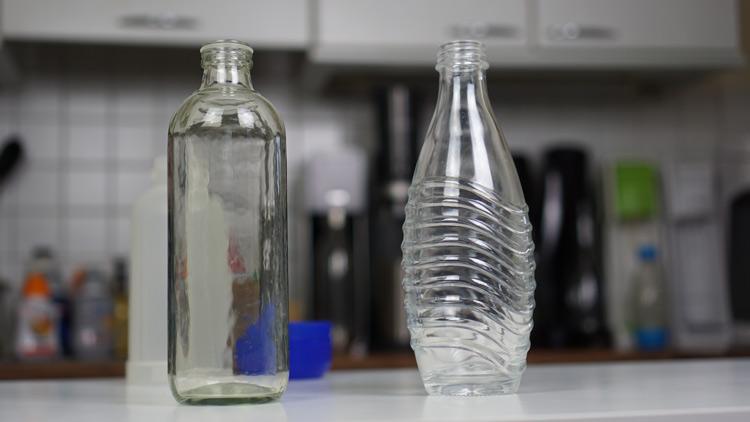 Glasflaschen der Aquabar und des SodaStream Crystal 2.0